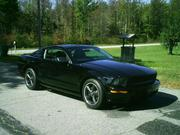 FORD MUSTANG 2008 - Like new !